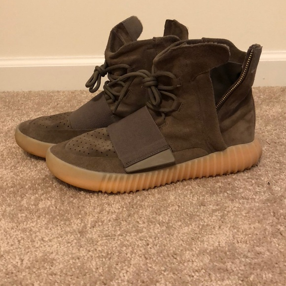 yeezy shoes brown